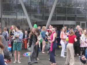 Er werd ook gedanst door de examenleerlingen - Foto: Tama Schreurs